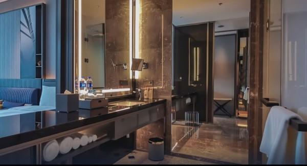 周末/节假日不加价!杭州奥克斯中心皇冠假日酒店 皇冠高级房2晚(含早)