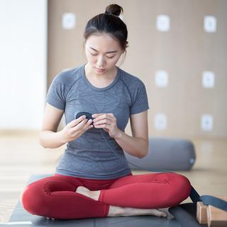 TOYOGI新品圆领跑步瑜伽T恤运动短袖健身服女吸湿排汗上衣瑜伽服