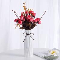 Hoatai Ceramic 华达泰陶瓷 花瓶A款白+2束红色玫瑰花苞