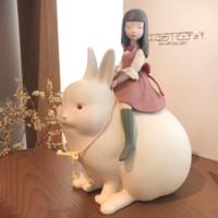 Ben Art Gallery 本艺术空间 贾晓鸥 小女孩萌系艺术摆件《白夜童话系列之月光兔》19×14x11cm 食品级氯乙烯树脂 净重0.75kg