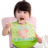 泰琛 吃饭围兜 免洗兜 粉车+草莓
