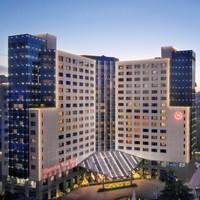 有效期到年底!西安喜来登大酒店64平方豪华套房1晚含双早双晚+行政酒廊礼遇