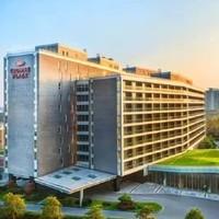 上海亲子推荐!上海夏阳湖皇冠假日酒店 高级房2晚(含2大1小早餐)