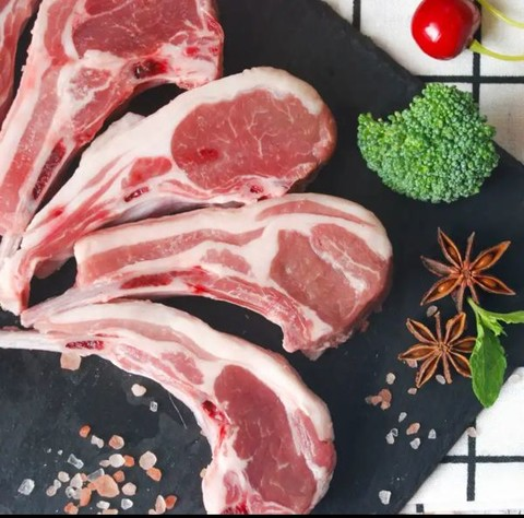 PLUS会员:边塞风 盐池滩羊羔羊法师小切羊排420g*3件+法式小羊腿500g(总价199元,低至49.75元/件)