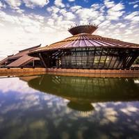 上海松江广富林希尔顿酒店 豪华湖景客房1晚(含早+广富林展馆套票)
